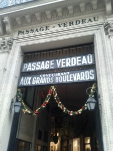 les passages e1324571081333 225x300 - Christmas in Paris