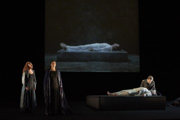 (l – r) Daveda Karanas as Brangäne, Melanie Diener as Isolde, Ben Heppner as Tristan and Franz-Josef Selig as King Marke in the Canadian Opera Company's production of Tristan und Isolde, 2013. Conductor Johannes Debus, director Peter Sellars, visual artist Bill Viola, costume designer Martin Pakledinaz and lighting designer James F. Ingalls. Photo: Michael Cooper