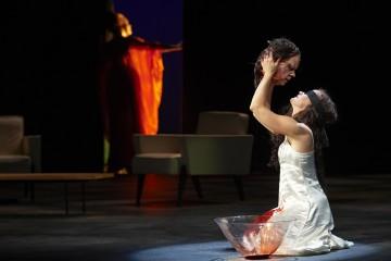 (l – r) Hanna Schwarz as Herodias and Erika Sunnegårdh as Salome