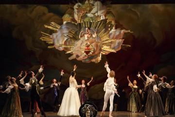 Persee. Meghan Lindsay as Venus and Artists of Atelier Ballet. Photo: Bruce Zinger