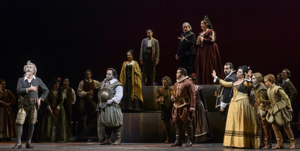 The set, lighting and costuming of Don Quichotte  work in unison  to help create a wonderful ending to the COC season.