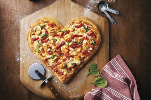 Heart_Shaped_Tuscan_Pizza_Insitu_d