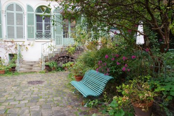 Paris Bench. off the beaten path paris. TheSceneinTO.com