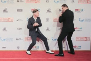 Ewan McGregor and Liam Neesan found time to horse around on the red carpet for the 4th edition of the Los Cabos International Film Festival.