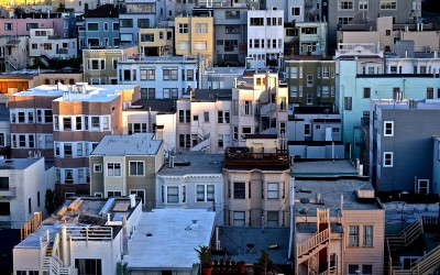 Lifehacks: Moving to a new city. TheSceneinTO. City Houses Unsplash Kimson Doan