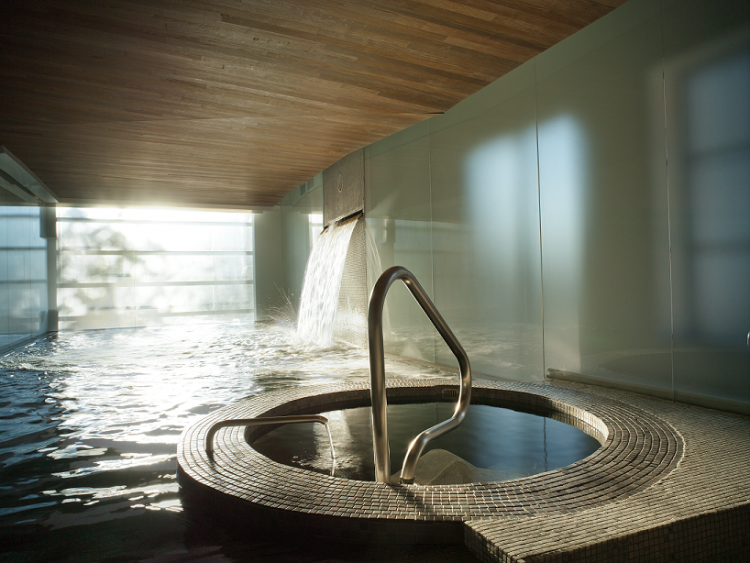 Montréal's Scandinave Spa provides wonderful, quiet relaxation.