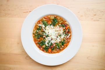 B Good Kale Minestroni Soup