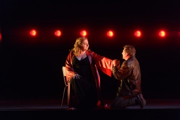 Christine Goerke as Brünnhilde and Andreas Schager as Siegfried in the Canadian Opera Company's production of Götterdämmerung, 2017, photo: Chris Hutcheson