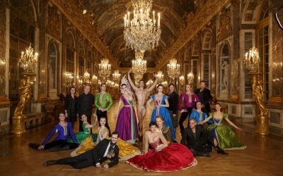 Artists from Armide pose with members of Opera Atelier's creative and administration team in Versailles' famous Hall of Mirrors, Nov. 2015. Photo by Bruce Zinger.