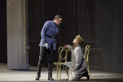 Michael Brandenburg as Matteo and Jane Archibald as Zdenka. Photo: Michael Cooper